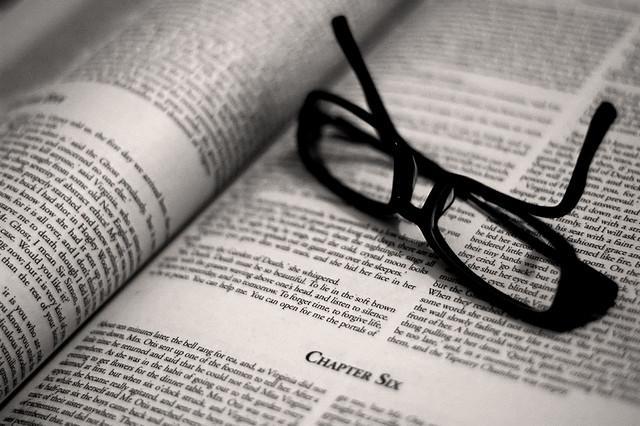 トップ営業マンを目指したい学生が読んでおくべきオススメ書籍5選!