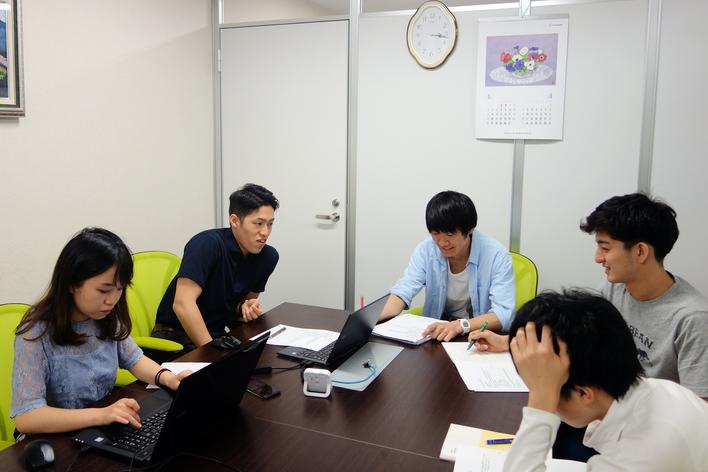 【新規事業立ち上げ】上場企業の投資家向けレポート作成アシスタント、セミナー企画運営 他