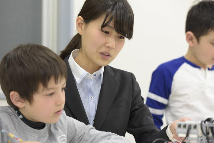 【ロボット×教育】プログラミング教育に携わりながら事業開発に挑戦できるインターン