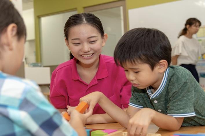 【理科実験教室や英語など習い事のチューター】週1日~OK!未来を担う子どもたちの成長へ寄与するインターン