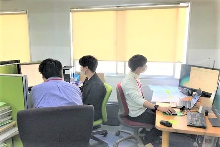 HRtech×SaaS!事業拡大のためユーザーに向き合う営業×SE!プリセールスエンジニア募集!長期で働けるかた歓迎!