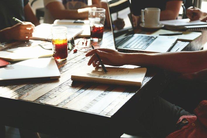 【ビジネスアナリスト】ビジネス課題分析インターン/RPA・BI・AIを活用して社内の課題を分析するインターンシップ!