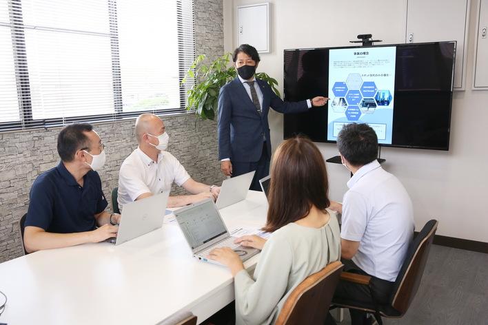 【健康経営優良企業2021認定】急成長中の会社で社労士になりませか?