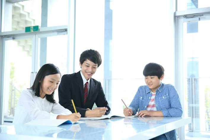 【超実践的マーケティングインターン】マーケティング他、営業や課題解決スキルも学べる!※社員とのキャリア面談付