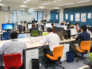 オフィスの風景。会社は渋谷にあるので、仕事帰りも楽しいです♪