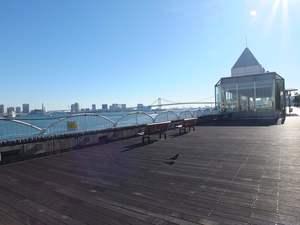 竹芝駅から駅近の好立地!海沿いで休憩時間の散歩も格別です!
