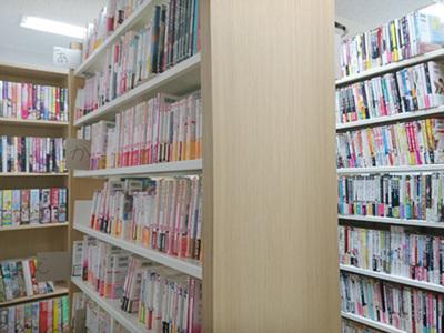 たくさんのBL本はいつでも貸出OK!