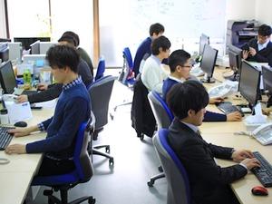 平均年齢は27歳前後。若手が活躍する会社です!
