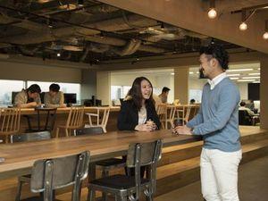 2016年リニューアルの開放的なオフィスで一緒に働きましょう!