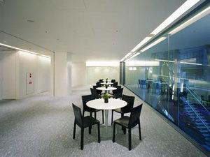 オフィスは麹町駅・半蔵門駅・永田町駅・四谷駅からが近いです。