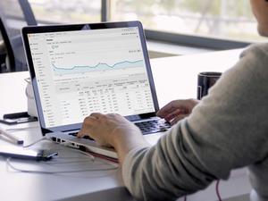 社長を始めとしたチームメンバーが、Webマーケティング・SEOの基礎から、メディア運営、ビジネスプランの組み立て方まで様々な観点から事業戦略のノウハウを提供します。