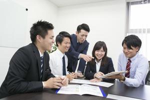 若いメンバーが多いので、学生の皆さんも馴染みやすい環境です♪