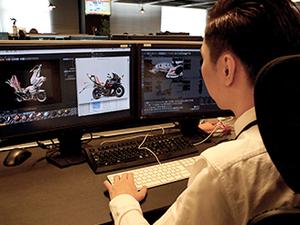 ハイスペックモニターや高機能デスクチェアなど、集中して作業できる環境を整えています!