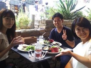 社内イベント、シャッフルランチの様子です!渋谷のおしゃれカフェを開拓できます♪