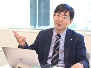 代表の藤井は法政大学特任研究員、学会事務局も兼任。ビジネスと学問両方の立場から指導できます。