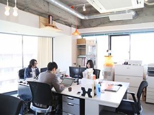 オフィスは高田馬場、川沿いにある落ち着いたエリアにあります。