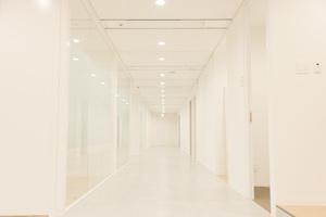 プロダクション事業部にてアシスタントディレクター業務をご担当頂きます!社内に5つのスタジオを完備しております。