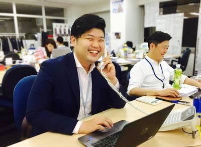 社長賞の受賞歴もある電話が大好きな先輩・執行と部長・伏屋です。