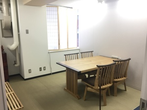 和室のインターン部屋が存在し、他社には無い快適なファシリティ環境です。