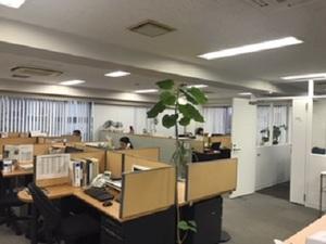 移転したばかりの新宿にある広くて綺麗なオフィスです。