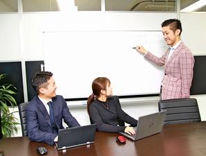 一週間に1度は必ず勉強会を開催。知識を高め合いサービス力を高めます。