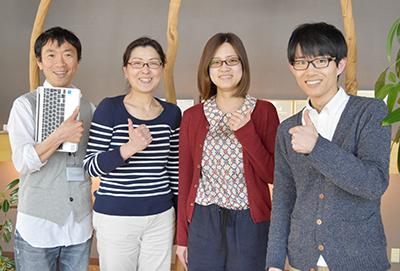 教育は、横田(左端)が担当します!