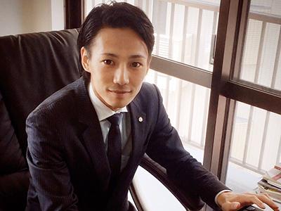 専務取締役の尾崎です。当社のインターン一期生として、しっかり育てていきます!