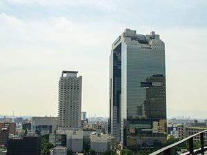 大阪のど真ん中、梅田にあるのでアクセス抜群です!梅田駅から2分!大阪駅から3分!