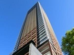 東池袋駅直結のタワービルがオフィスです。