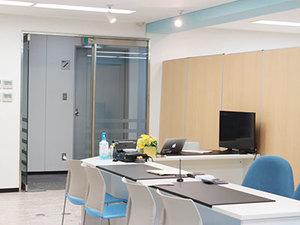 天満橋駅から徒歩5分のキレイなオフィスです!