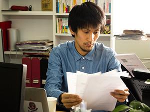 代表取締役の浜村は元々は早稲田のア式サッカー部。全員が20代と若い会社です。