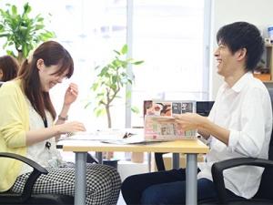 オフィスは明るく和やかな雰囲気で、女性にもオススメです。