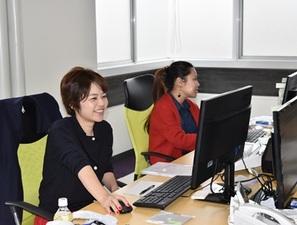 様々な業務は先輩社員が優しく教えます。