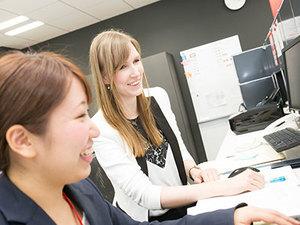 外国人も多く働いているインフォランス。グローバルに働けるインターンです。