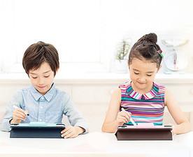 家族全員が安心して楽しみながら学べる、当社自慢のサービスです!多くの学生スタッフが活躍しています!