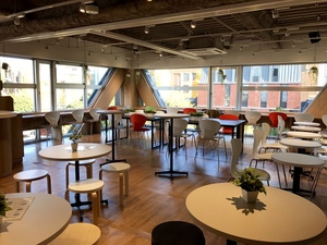 12月にオープンした「PRECIOUS 東大前・本郷店」。大学の近くに新店舗が続々オープン予定です!