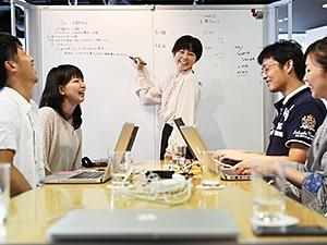 社員の7割は女性ということもあって、会議中はいつも和やかで笑いが絶えません。