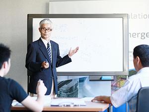 定期的に研究会が行われ、日本で著名な研究者・技術者も集まります。